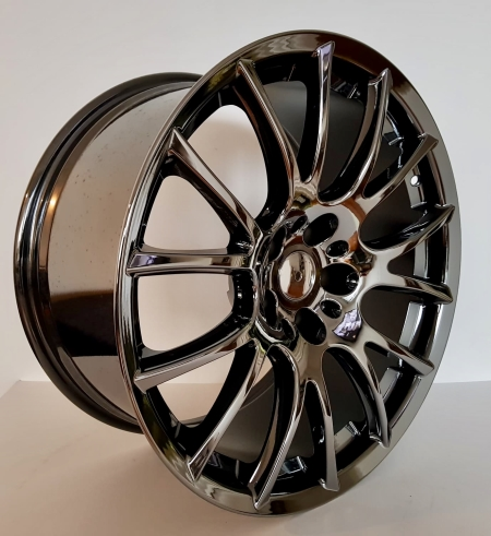 19X9.5 5X114.3 34 67.1 BLACK VACUUM CHROME